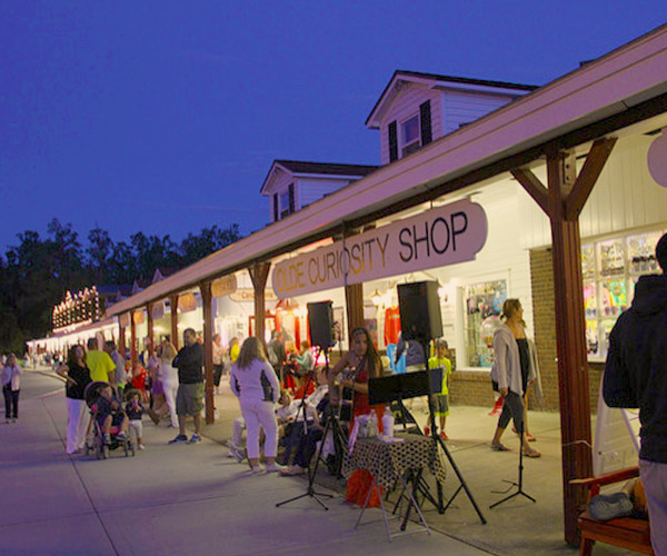 stores in lake george village