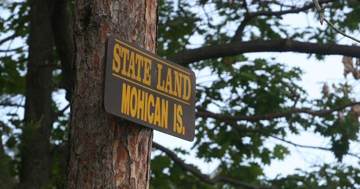 mohican island sign