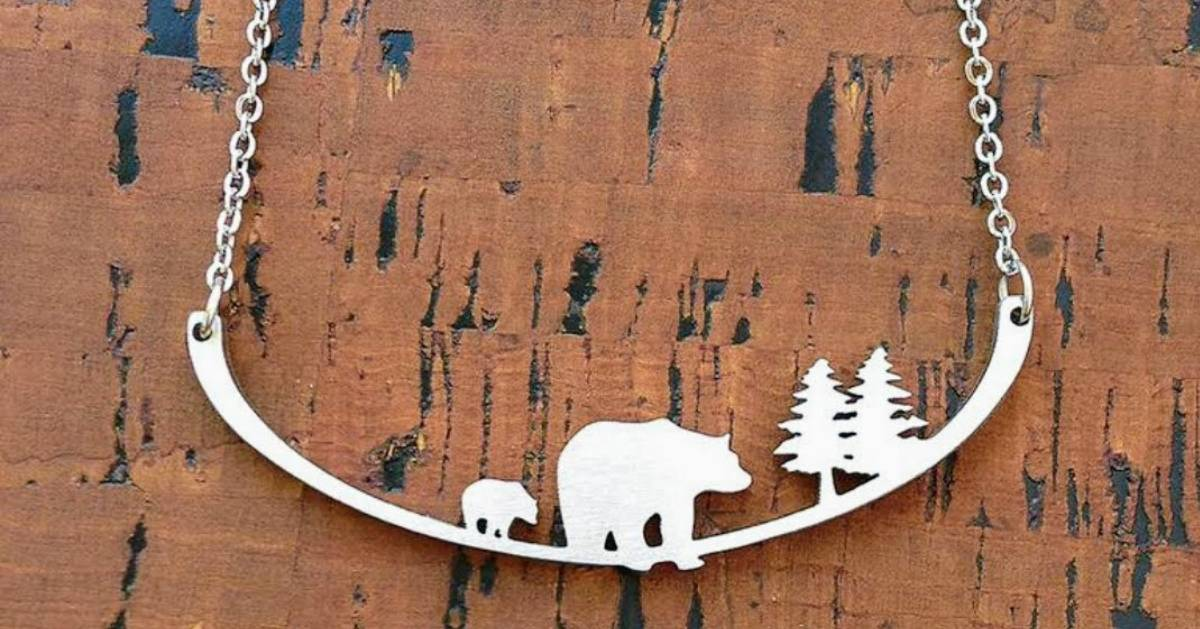 bear and tree necklace