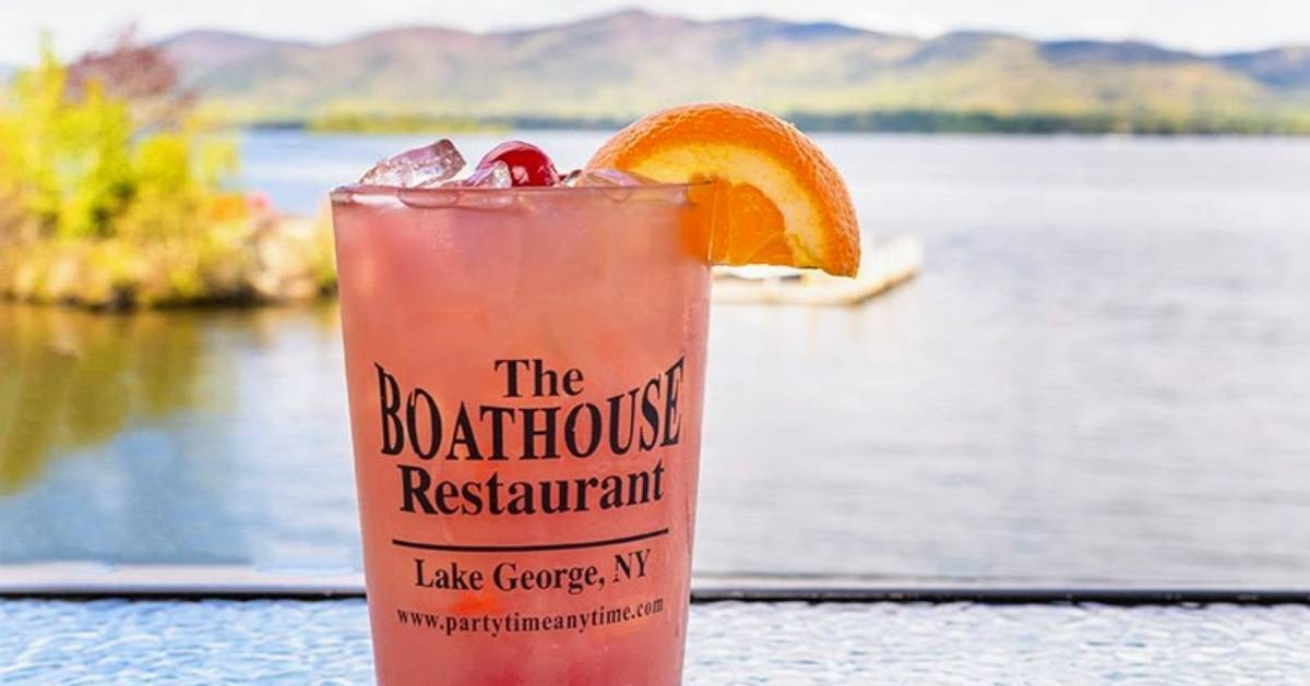 Boathouse Restaurant drink by lake
