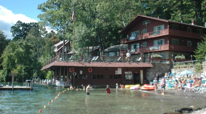 Lodging with private docks in bolton landing diamond for Big canoe lodge