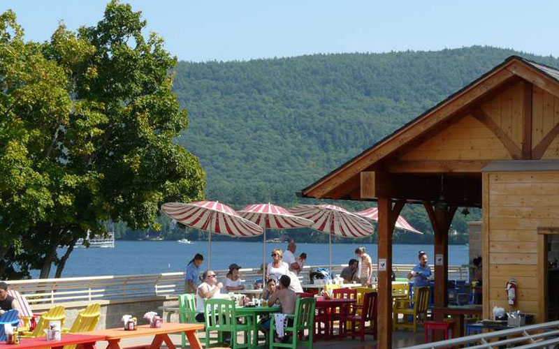 lake george dining outside