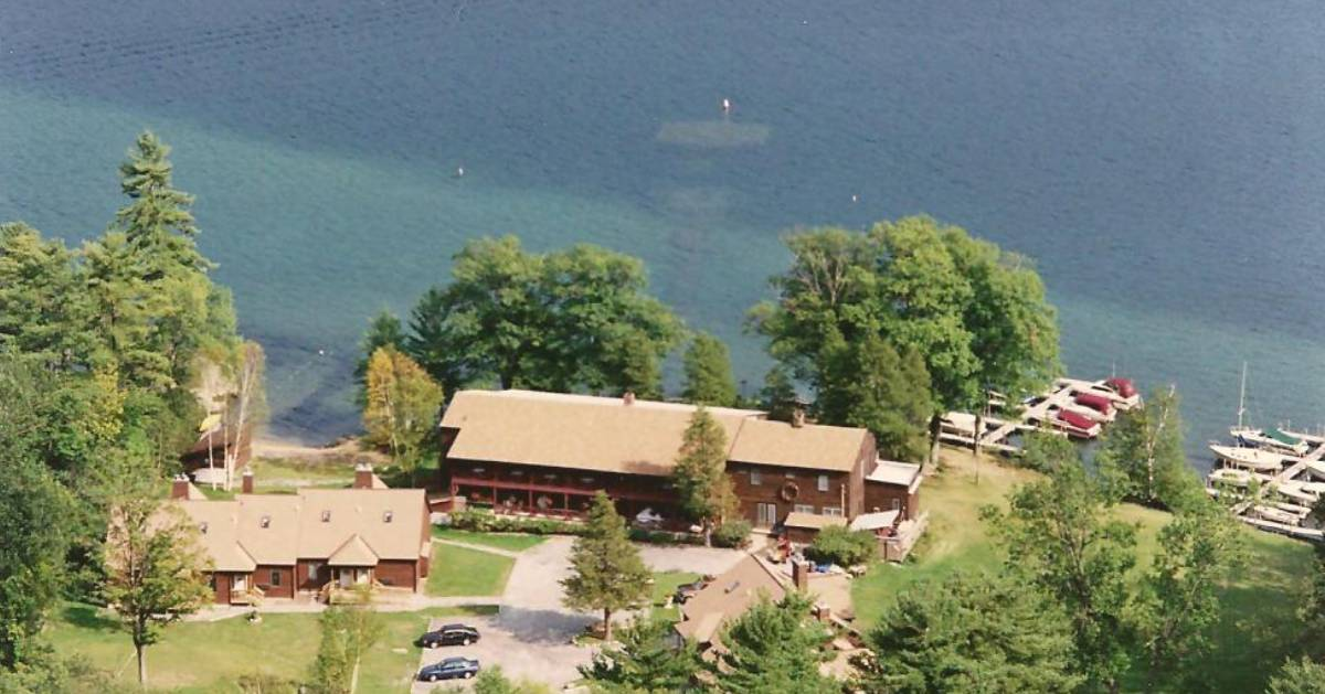 aerial view of waterfront lodging property
