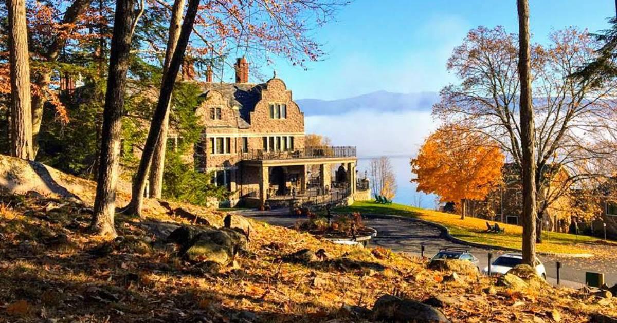 fall scene at inn
