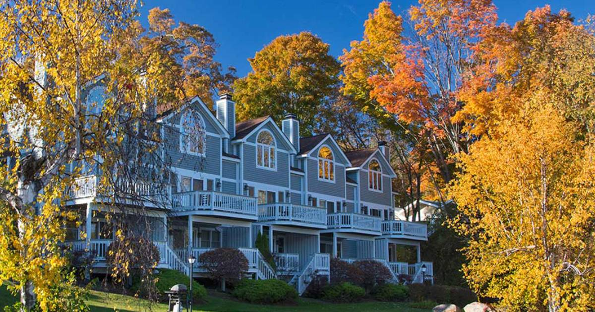 inn surrounded by fall foliage