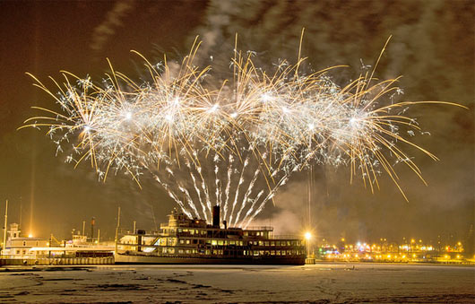 lake george new years fireworks cruise