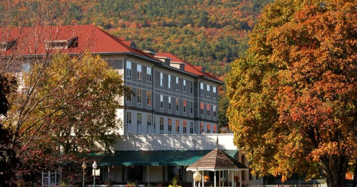 fall foliage surrounding hotel
