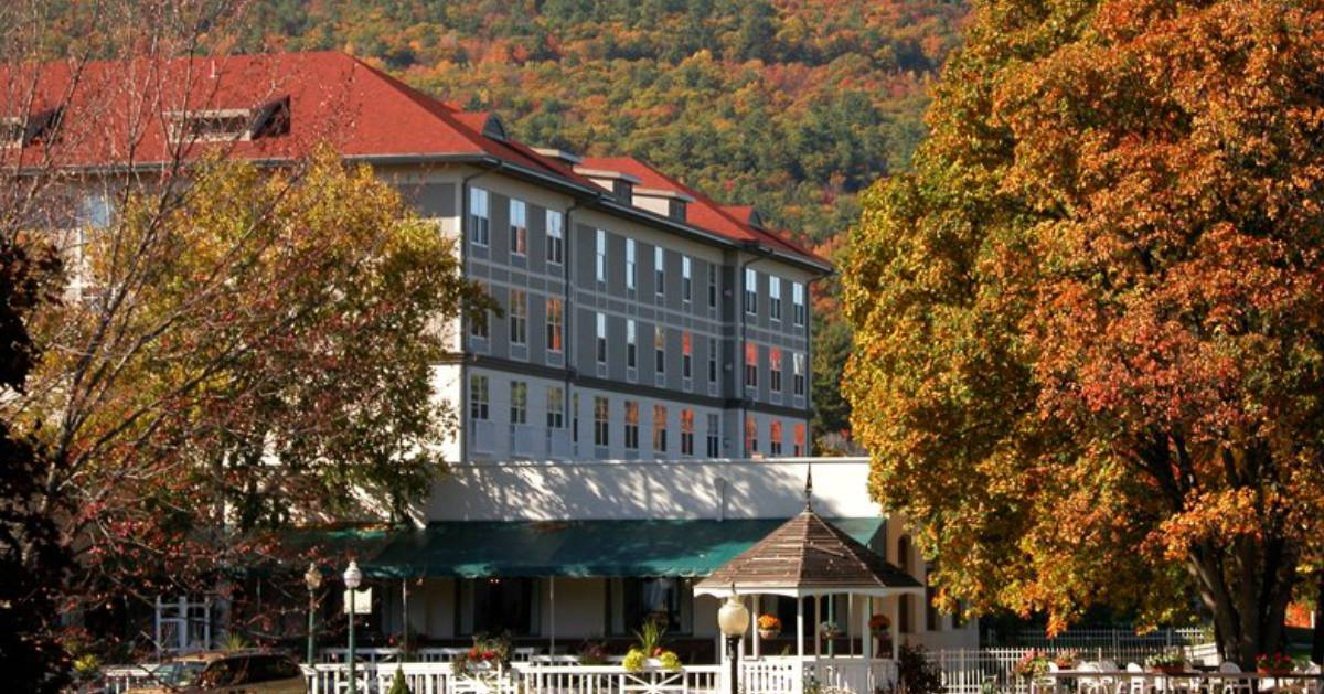 hotel by fall foliage