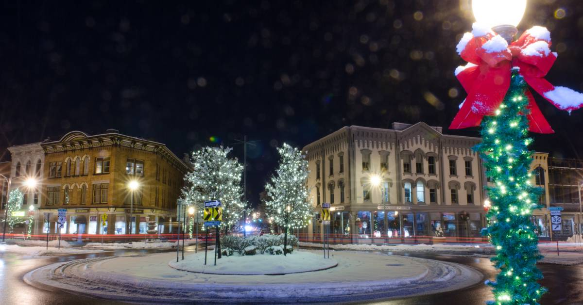 winter holiday scence downtown