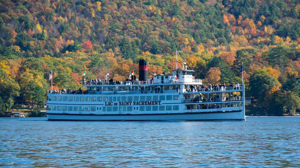 steamboat on lake george