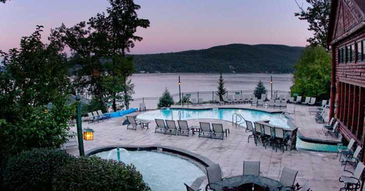 pool deck at lodges at cresthaven