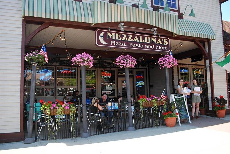 mezzalunas restaurant