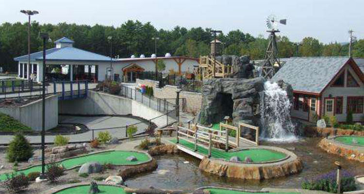 fun spot mini golf