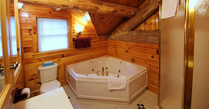 a jacuzzi tub in a bathroom