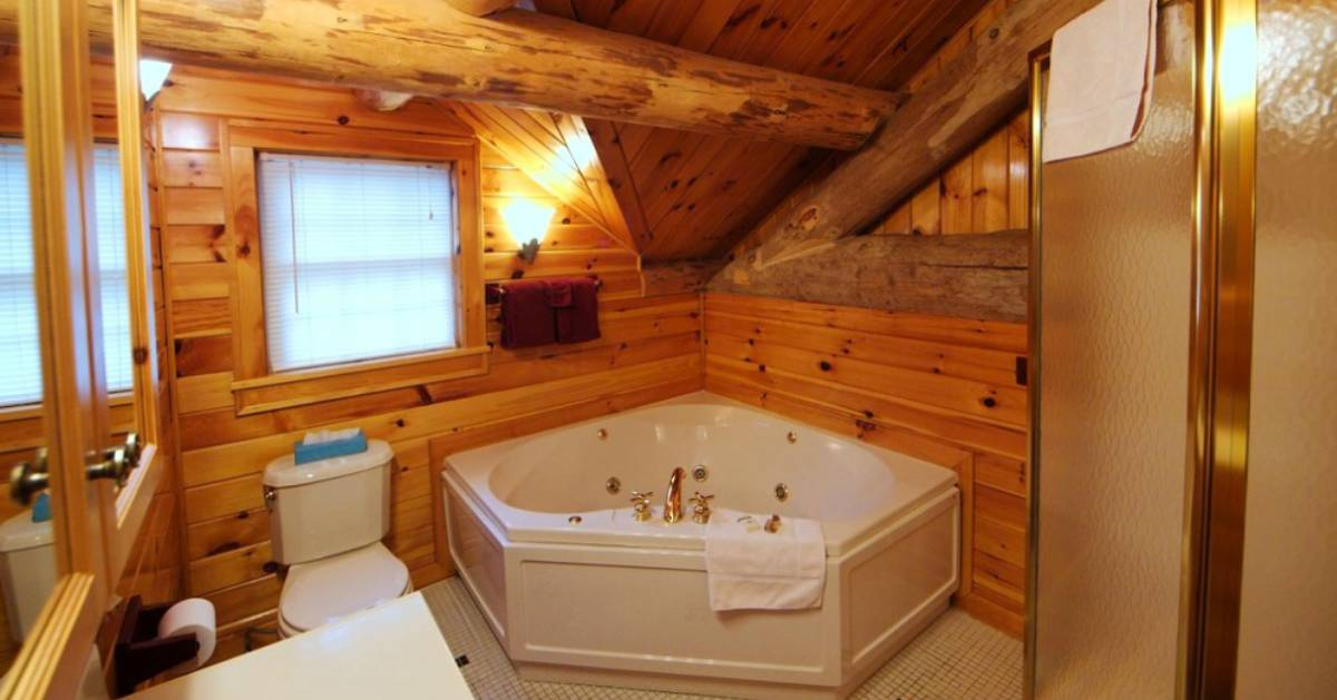 a jacuzzi tub in a bathroom