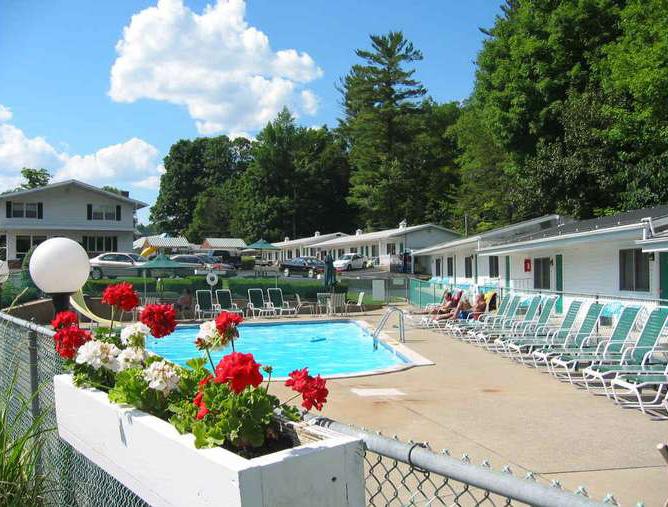 Brookside Motel