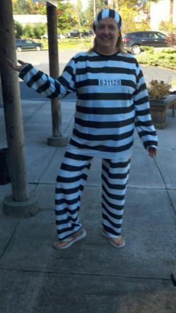 Jailbird Outfit 101011.JPG