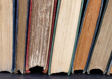 booksonshelf.jpg