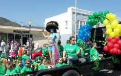 st patrick's day parade and balloons