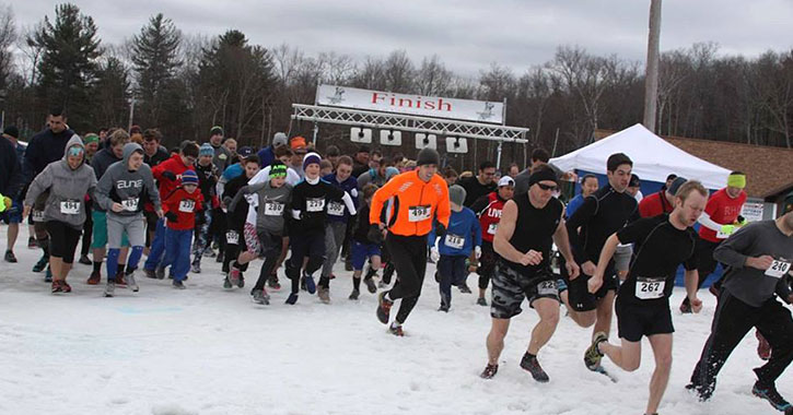 runners on snow